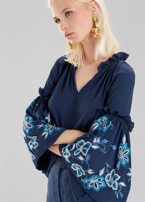 Josie Natori: Pre-Fall 2017 Ready-to-Wear